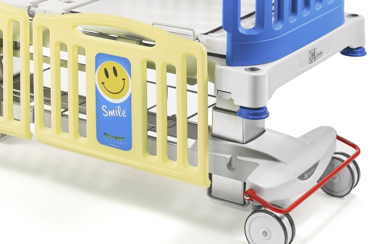 smile pediatric bed with weighing system 348650B colors